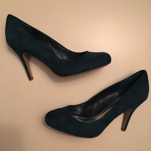 Jessica Simpson teal suede pumps